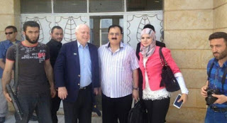 mccain-syria-conjugando-adjetivos